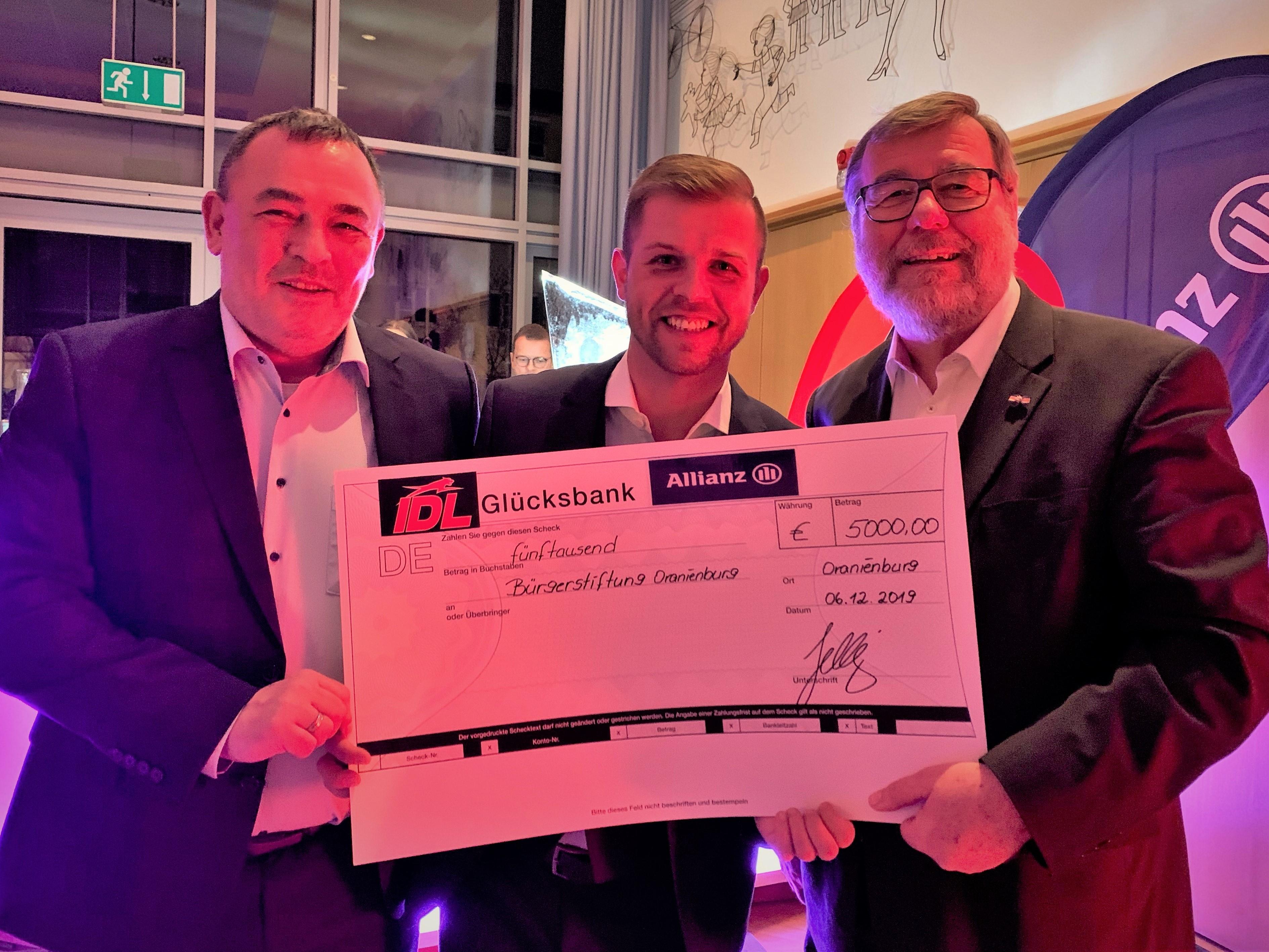 5.000,00 Euro für die Stiftung